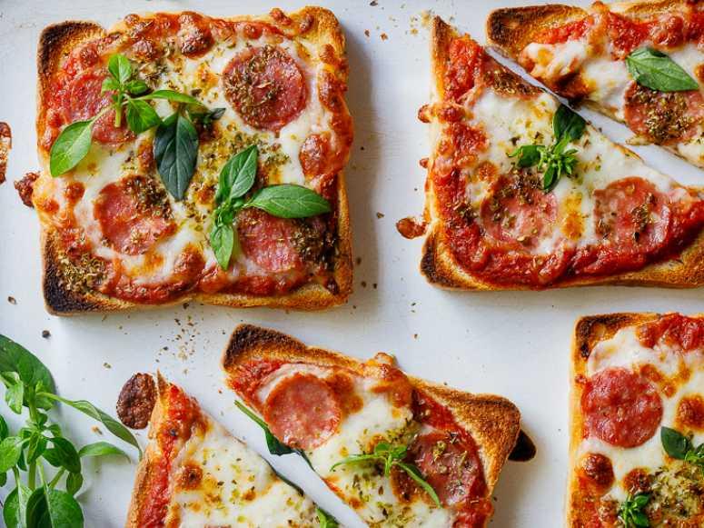 پیتزا با نان تست (طرز تهیه)