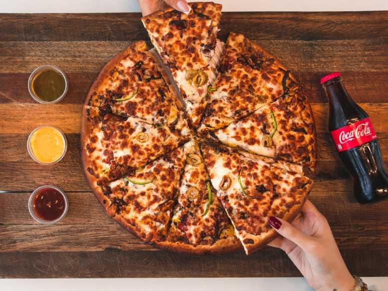 پیتزا مخلوط (طرز تهیه)