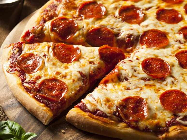 پیتزا پپرونی (طرز تهیه)