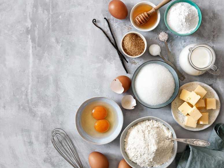 آشنایی با نحوه اندازه گیری مواد شیرینی پزی و کیک پزی وقنادی
