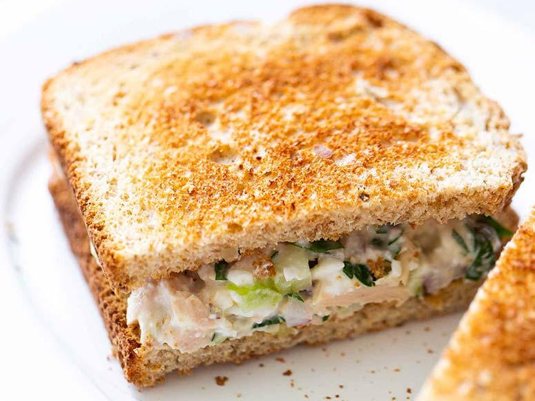 ساندویچ تن ماهی (طرز تهیه)