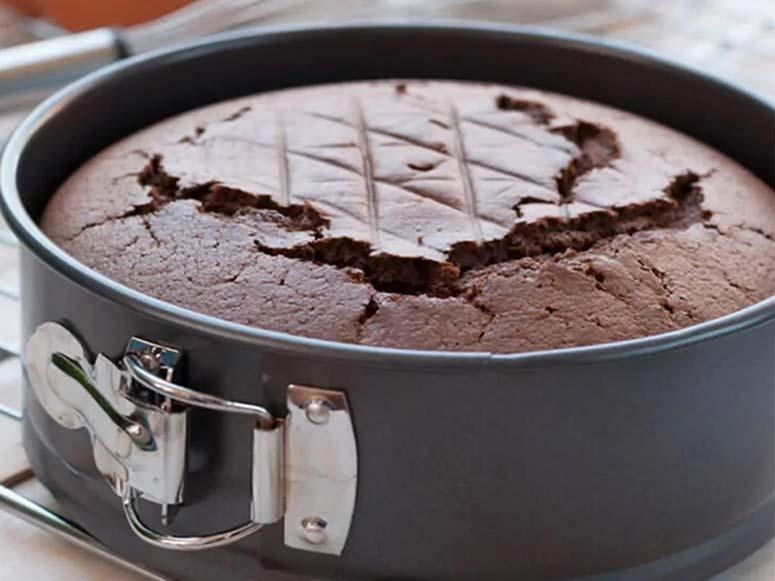 علت ترک خوردن کیک چیست؟